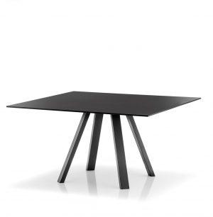 Arki-139x139-grote-vierkante-design-vergadertafel-met-een-dun-volkern-blad-en-schuine-poten