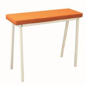 Form-bench-48-bank-met-gestoffeerde-zitting-passend-bij-form-tafel